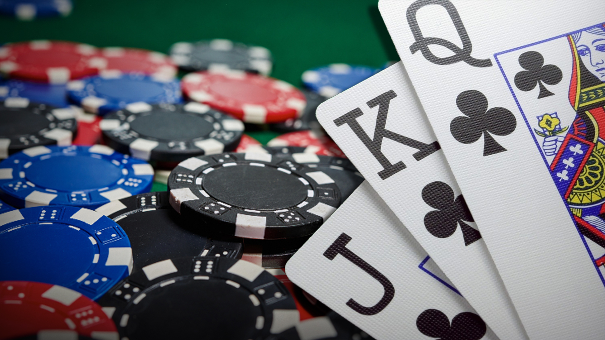 Simple strategies to follow when betting on a poker game